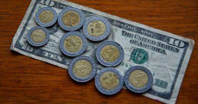 Dólar vence al el peso